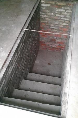 Лестница в смотровую яму