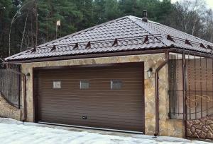 Вальмовая крыша гаража